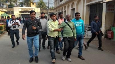 বরিশালে সাংবাদিক নির্যাতনের ঘটনায় ৫ কারারক্ষী বরখাস্ত