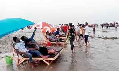 শরীয়তপুর-চাঁদপুরের মোহনায় গড়ে উঠেছে মিনি কক্সবাজার