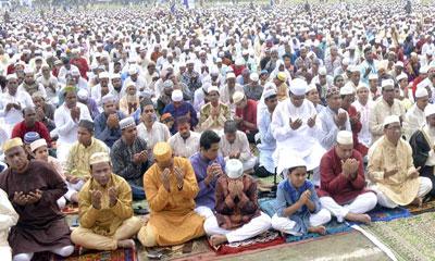 দিনাজপুরে ৬ লাখ মুসল্লির সমাগমে ঈদের নামাজ অনুষ্ঠিত