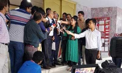 'সুদ হার বাস্তবায়নে বাংলাদেশ ব্যাংকের চাপ নেই'