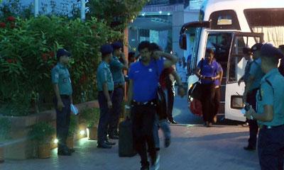 বরিশালে পৌঁছেছে বাংলাদেশ-শ্রীলঙ্কা ক্রিকেট দল