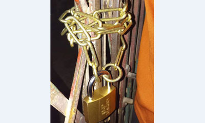 বগুড়া বিএনপি'র দুপক্ষের তালাবাজিতে অতিষ্ঠ নেতাকর্মীরা