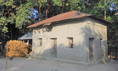 বিলুপ্ত প্রায় গরিবের বাংলা 'এসি' ঘর