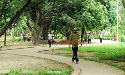 জেলা শহরগুলোতে শরীরচর্চা বিনোদনের ব্যবস্থা খুবই অপ্রতুল