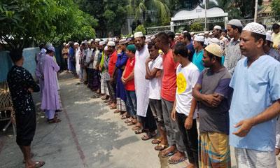 উল্লাপাড়ায় নিহত বর-কনেসহ ১১ জনের দাফন