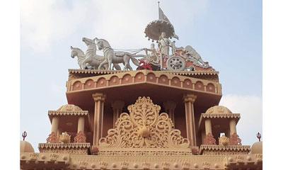 ইলোরা অজন্তা গুহাচিত্রের আদলে নির্মিত
