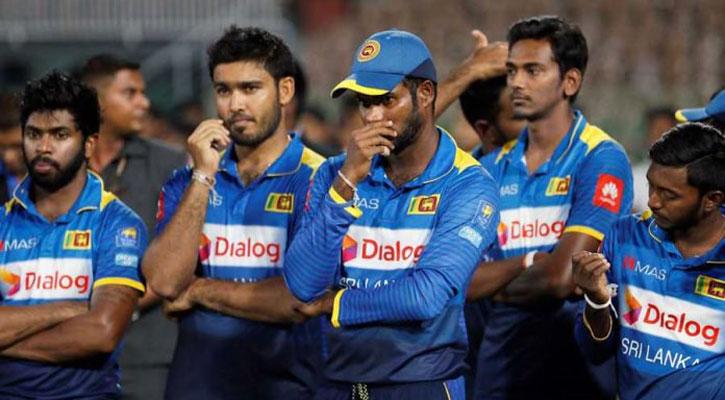 পাকিস্তান সফর থেকে সরে গেলেন শ্রীলঙ্কার ১০ ক্রিকেটার