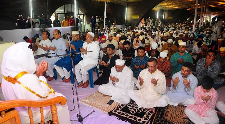 জাতীয় সংসদের টানেলে ঈদুল আজহার জামাত অনুষ্ঠিত