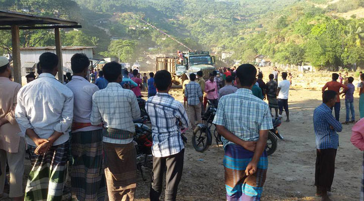 তাহিরপুরে বন্ধ থাকা ৩ শুল্ক বন্দর দিয়ে কয়লা আমদানি শুরু
