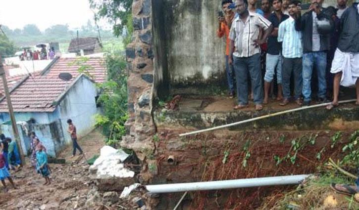 তামিলনাডুতে দেয়াল ধসে ১৫ জনের মৃত্যু