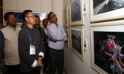 শিল্পকলা একাডেমিতে বাংলাদেশ ও চীনের আলোকচিত্রীদের প্রদর্শনী