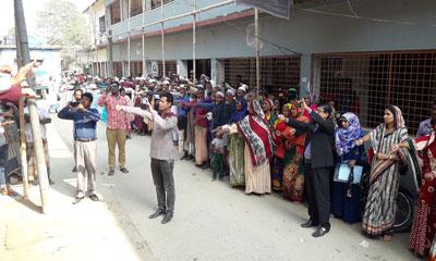 খালিয়াজুরীতে বাল্যবিবাহ প্রতিরোধে শপথ পাঠ