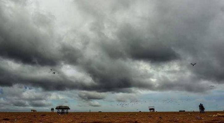 বাংলাদেশের উপকূলীয় অঞ্চল অতিক্রম করছে  'বুলবুল'