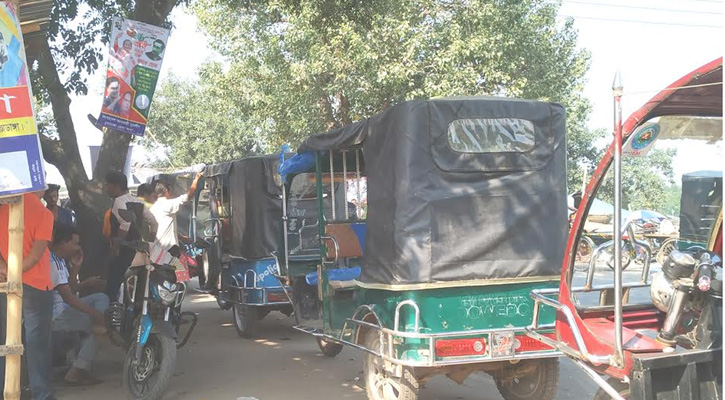 চুয়াডাঙ্গায় পরিবহন ধর্মঘটের সুযোগে অবৈধ যানের ছড়াছড়ি