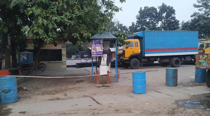 চুয়াডাঙ্গায় ধর্মঘট অব্যাহত, লোকসানে যানবাহন মালিকরা