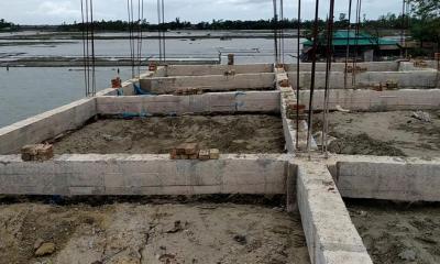 নির্মাণ কাজ হওয়ার আগেই মুজিব কিল্লার ফাটল