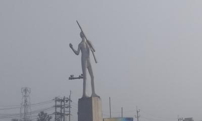 শ্রমিকদের অবস্থানে ঢাকা-ময়মনসিংহ মহাসড়ক বন্ধ